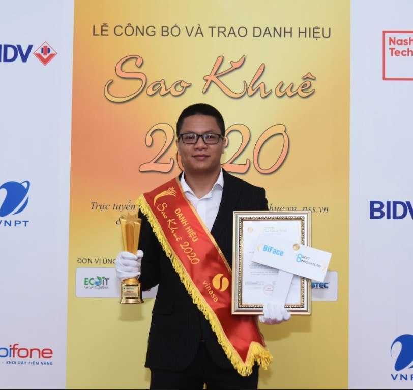 Đại diện Beet Innovators nhận giải Sao khuê